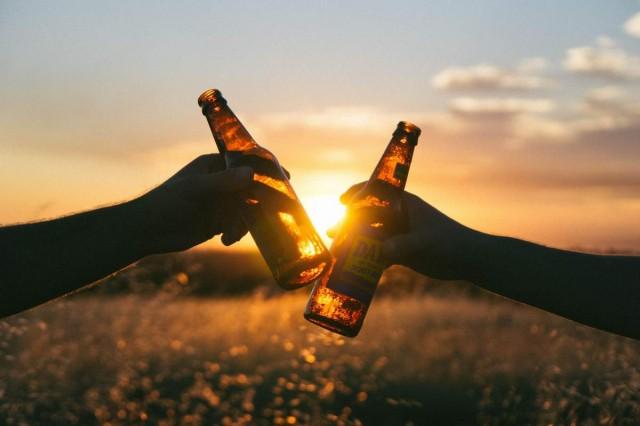 Elfogadták a közterületi alkoholfogyasztást tiltó rendeletet