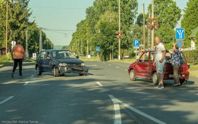 Baleset lassítja a forgalmat a két Endre utcájának kereszteződésében