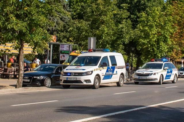 Baleset történt a Kossuth Lajos utca szervizútján (frissítve 18:27)