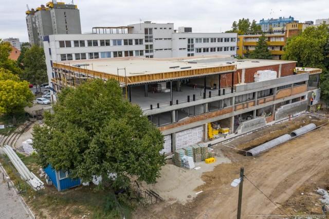 Újra megnyílik Pécs legnagyobb parkolója