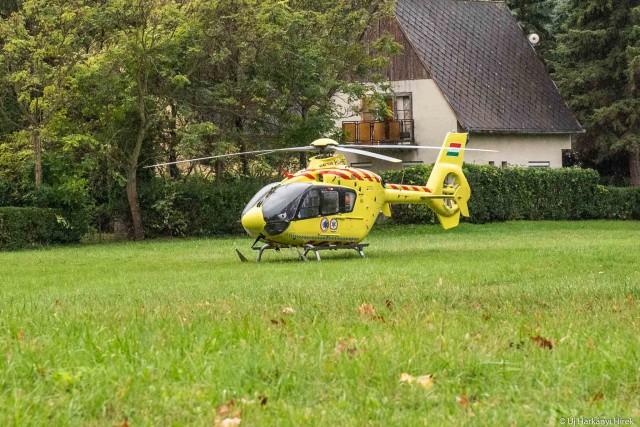 Mentőhelikopter szállt le Harkányban
