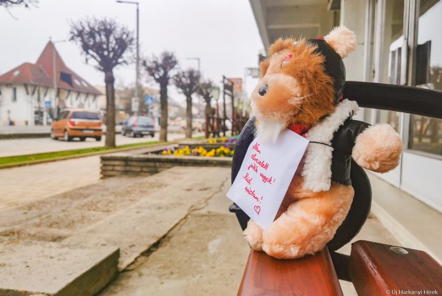 Plüssmaci Harkány utcáján Zsombor gyógyulásáért