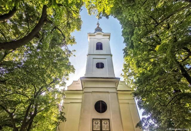 Csarnóta temploma nemrég kapott új tetőt.