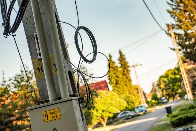 Újabb hónapokkal tolták ki a víkendtelepek optikai hálózatának kiépítését